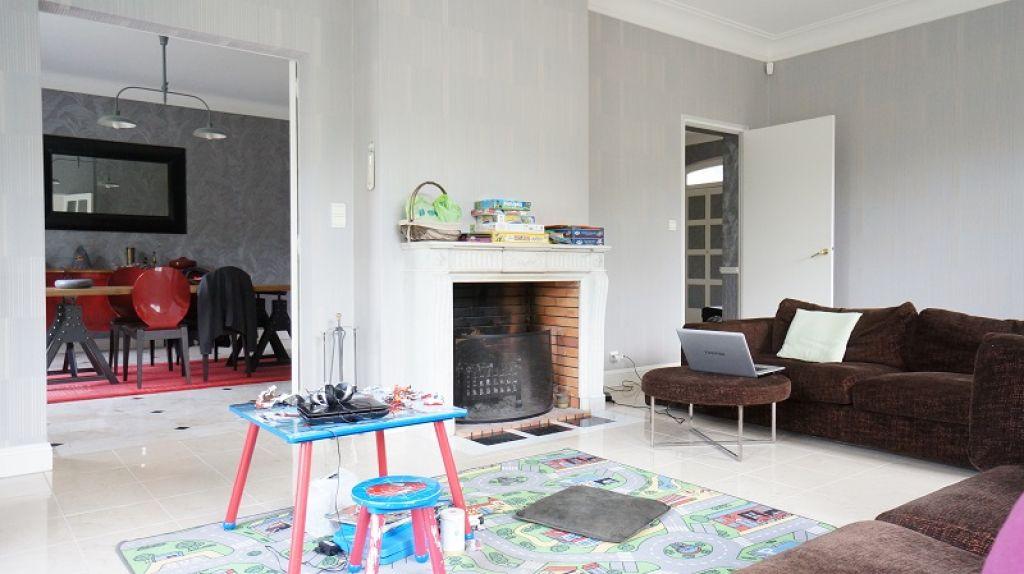 maison dans france comment trouver une rgie photo dans le midi with maison dans france maison. Black Bedroom Furniture Sets. Home Design Ideas